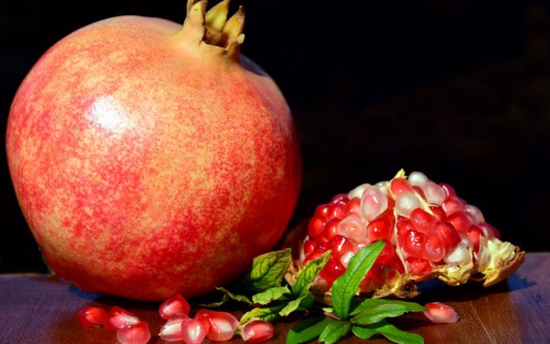 Granatapfel und Ziegenkäse im Butternut-Kürbis